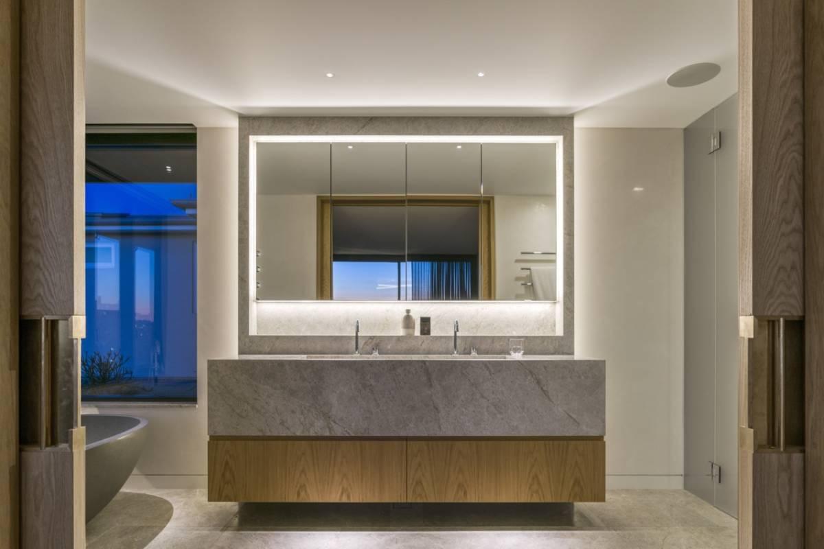Fully Integrated Vanity Sink Splashback Combination Amc